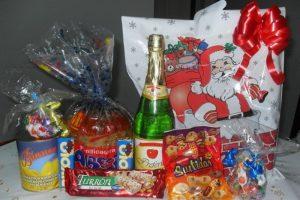 90 familias apadrinaron a otras 90 con una canasta navideña – Raúl Migoya