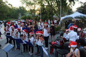 La orquesta Infanto Juvenil tocará villancicos junto al pino navideño y el pesebre