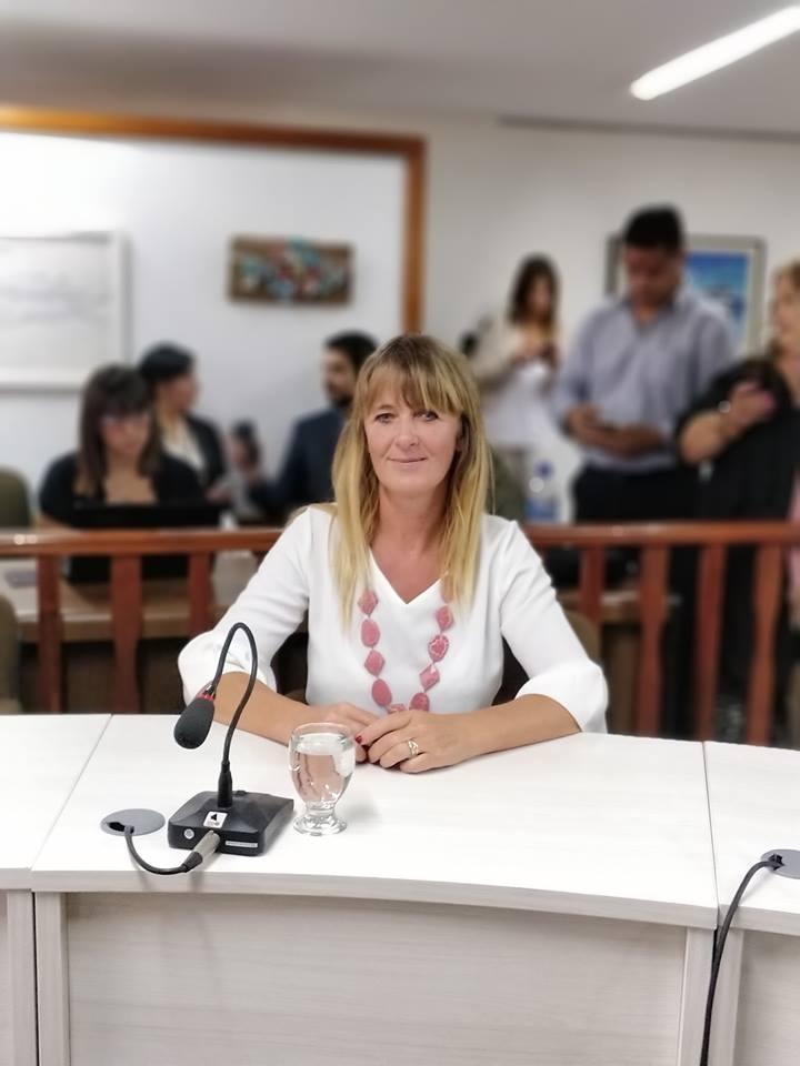 Educación y Cultura – Tarifas sociales y generar trabajos genuinos – Marcela Uhrig